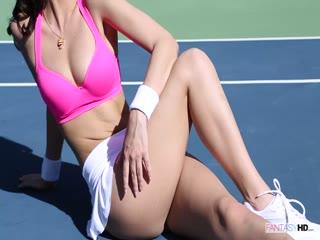 Sport chick bitch MILF fucking her gamer outside