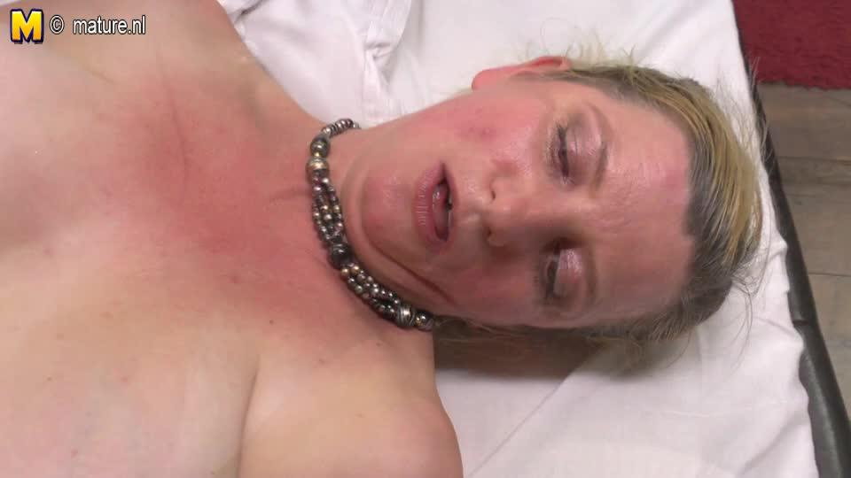 Hairy mom fucks her young lesbian girl - Amateur free porn - Porn Tubes Video Sex | fapig.com