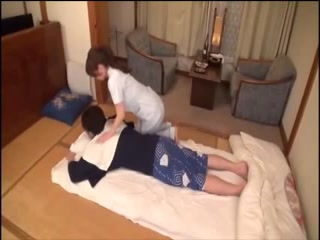 Japanese bitch masseuse sucking deepthroat and geting pounded