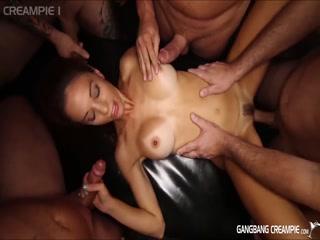 Sexy spinner slut gets cum full on her cunt