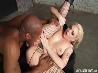 Tattooed blonde MILF assfucked by a BBC - HD porn anal