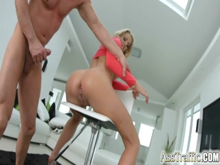 Angel blonde babe dancing sexy to fascinate her big dude - HD Porn