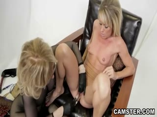 Flog and Dildo is a important thing of her - HD Porn