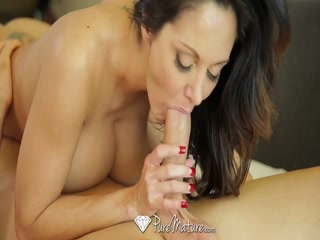 Ava Addams with a huge boobs titfucks her man - Babe porn xxx