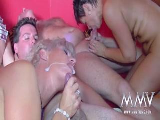 Amateur swingers do it all - HD Video | Pornbraze.com