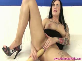 Emo babe masturbating with baseball bat - HD Video | Pornbraze.com