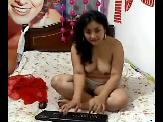 indian sexy amateur babe from goa linda performing on live webcam show