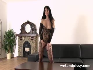 Peeing while fucking her yellow vibrator - HD porn video | Pornbraze.com
