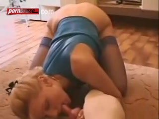 tiny babe blonde with sexy body sex dog